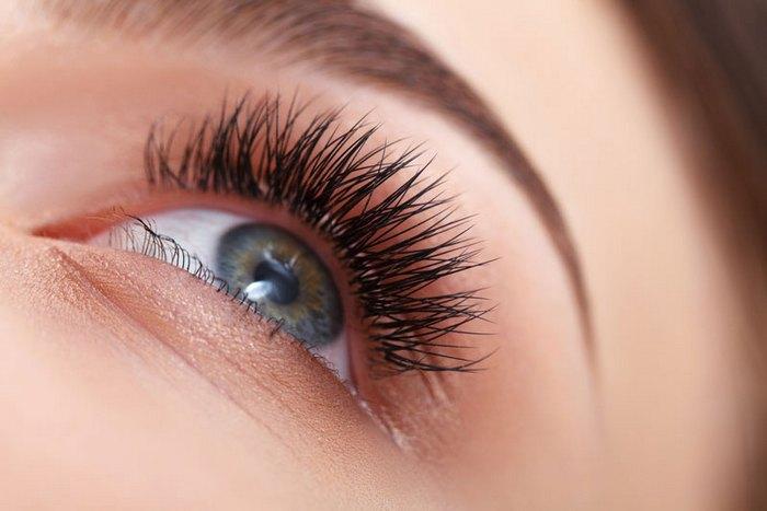 latisse-eyes